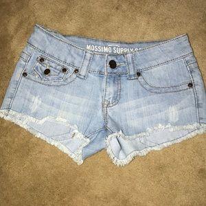Light wash short shorts